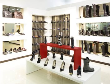 Stacked Shoe Displays Made from KYDEX®